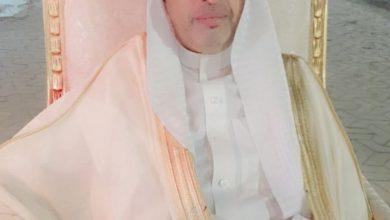 صورة احتفالاً باليوم الوطني.. مقيم مصري بـ القنفذة يرتدي الزي السعودي