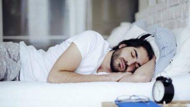 صورة استشاري يكشف عن تأثير وخطر النوم على الجانب الأيسر على عضلة القلب