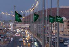 صورة استعداداً لعُرس السعودية.. شوارع ومباني المدينة المنورة تتزين بـ الأخضر