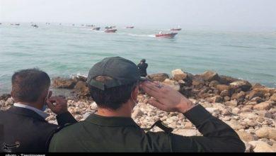 صورة استعراض بحري للحرس الثوري الإيراني في مياه الخليج