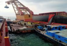 صورة استغرقت 9 أيام.. شركة أردنية تنجح في تعويم سفينة عالقة في خليج السويس