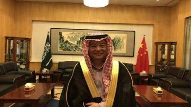صورة السفير الصيني في المملكة: ما زلتُ أتعلم الثقافة السعودية ولبس البشت