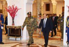 صورة السيسي يتضامن مع السودان ويعزي البرهان في ضحايا الفيضانات