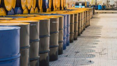 صورة النفط يرتفع بأكثر من 1% بعد انتعاش الطلب على الوقود في أمريكا