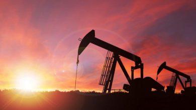 صورة النفط يواصل هبوطه بعد تخفيضات كبيرة في أسعار النفط الخام السعودي لآسيا