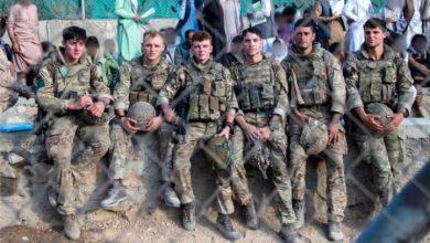 صورة بايدن يتعهد بحماية القوات الأمريكية الموجودة في مطار كابل
