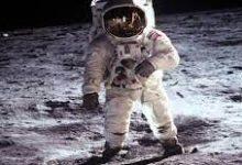 صورة من هو اول انسان وصل الفضاء