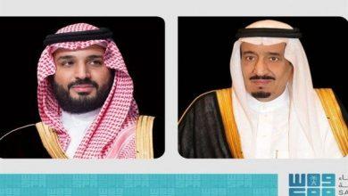 صورة خادم الحرمين وولي العهد يعزيان أمير الكويت