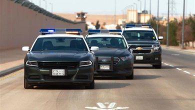 صورة دوريات أمن الطرق بجدة تقبض على مواطن نقل مخالفين لنظام أمن الحدود