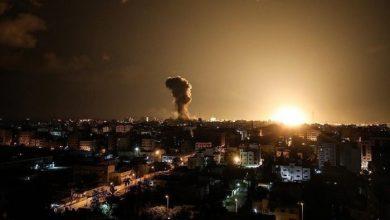 صورة دون إصابات.. الطيران الإسرائيلي يقصف مواقع تابعة للمقاومة في غزة (فيديو)