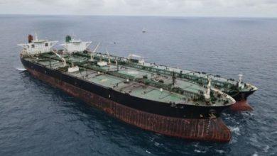صورة سفينة إيرانية محملة بالوقود تبحر نحو لبنان