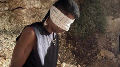 صورة شاهد أول صورة للسجين الفلسطيني الزبيدي لحظة اعتقاله من قبل إسرائيل.. هل تعرض للضرب؟