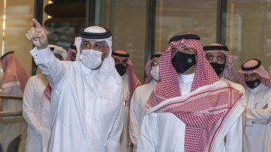 صورة شاهد.. وزير الداخلية يزور مركز القيادة الوطني في قطر ويطلع على أبرز مهامه
