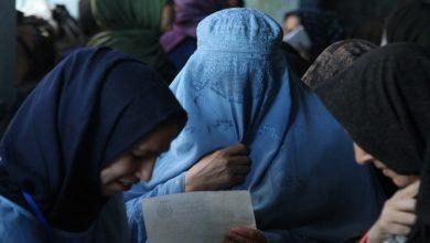 صورة صحفيات أفغانيات يروين معاناتهن بعد تخلي الأمريكان عنهن