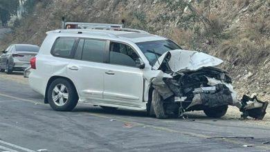 صورة صور.. مصرع شخص وإصابة 2 في تصادم سيارتين بالباحة