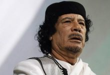 صورة قائد ميليشيا ليبية يبدي استعداده للكشف عن قبر القذافي.. بشرط
