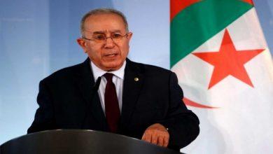 صورة لعمامرة يجري جولة أفريقية لحشد الدعم لمخرجات جوار ليبيا وطرد إسرائيل