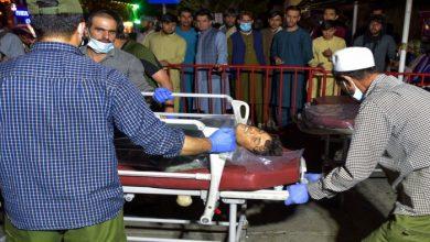صورة مسؤول أفغاني: عدد قتلى هجمات كابل يزيد عن 100 شخص