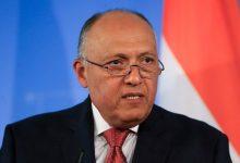 صورة وزير الخارجية المصري يبحث مع نظيريه المغربي والجزائري سبل حل الأزمة