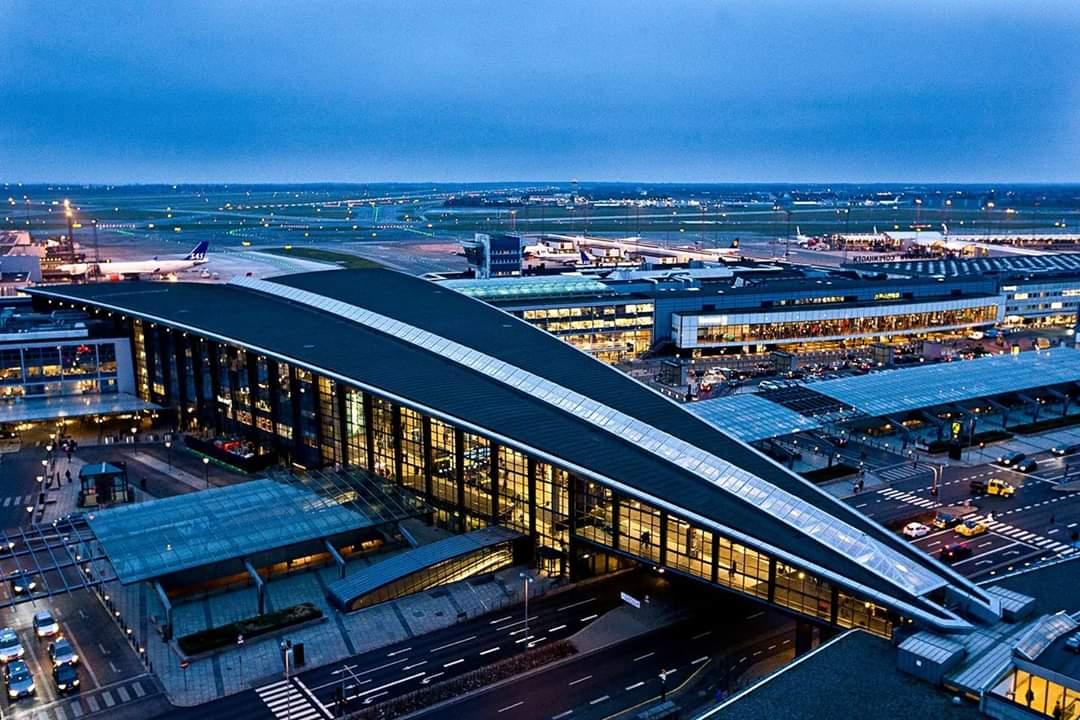 صورة وزير النقل الدنماركي: تعليق جميع الرحلات القادمة من الإمارات 5 أيام