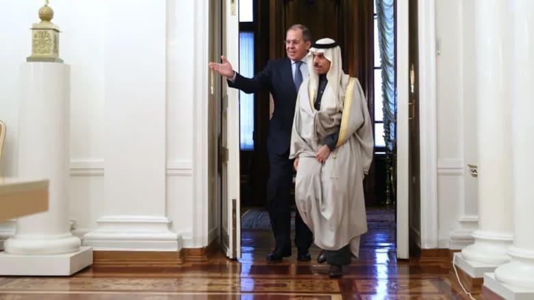 صورة وزير الخارجية السعودي يلتقي نظيره الروسي ويهاجم تدخلات إيران