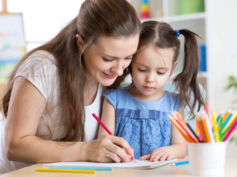 صورة نصائح للتعامل مع طفلك في ضغط الامتحانات