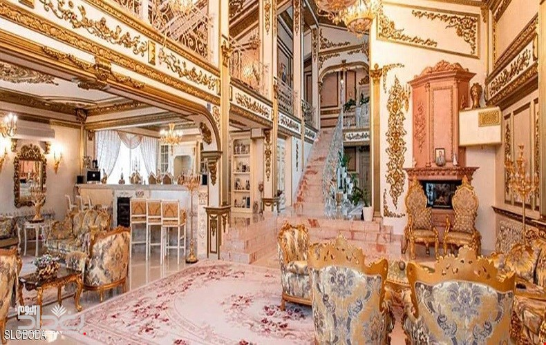 """صورة للبيع: قصر """"مطلي بالذهب"""" بسعر خيالي"""