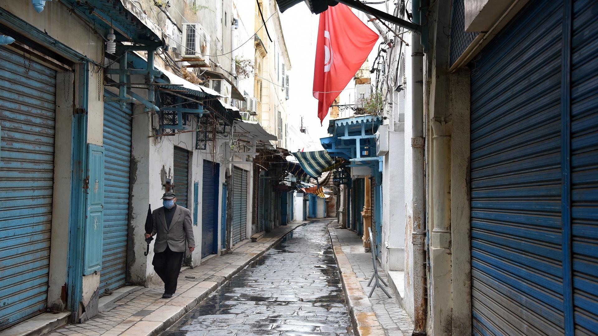 صورة تونس تنتقل من الحجر الشامل إلى الموجه