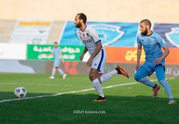 صورة الهلال يواصل نزيف النقاط بتعادل مع الباطن في الدوري السعودي