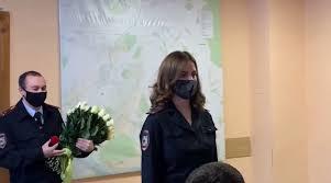 صورة بالفيديو: شرطية روسية تتلقى عرض زواج خلال اجتماع رسمي