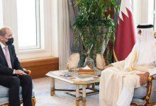 صورة أمير قطر يبحث العلاقات الثنائية مع وزير الخارجية الأردني