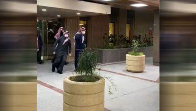 صورة بالفيديو.. ولي عهد السعودية يغادر المشفى بعد عملية جراحية ناجحة