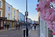 """صورة بالصور: عمارات بألوان الحلويات.. تعرف على شوارع """"قوس قزح"""" في لندن"""