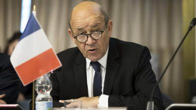 صورة فرنسا تتهم روسيا باستخدام لقاحها ضد كورونا والكرملين يرد
