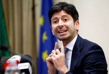 """صورة وزير الصحة الإيطالي إستخدام لقاح """"سبوتنيك V"""" الروسي"""
