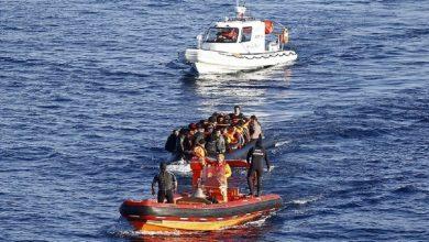 صورة خفر السواحل التركي ينقذ 22 طالب لجوء أبعدتهم اليونان