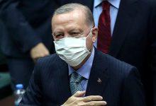 """صورة مسؤول بالرئاسة التركية يكشف """"ملابسات"""" إقالة رئيس البنك المركزي"""