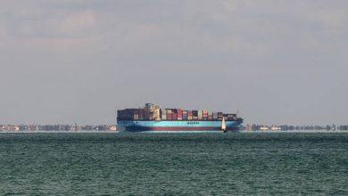 صورة عودة حركة الملاحة في قناة السويس بعد إعادة تعويم السفينة الجانحة