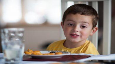 صورة كيف يحصل الطفل على العناصر الغذائية بدون حليب؟ د. حمدي المهدي