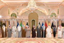 صورة الحكومة الكويتية تؤدي اليمين الدستورية أمام أمير البلاد