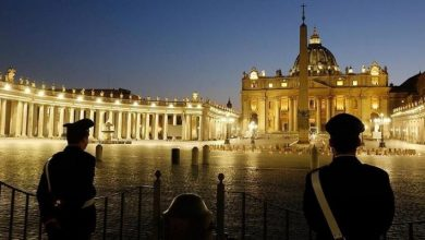 صورة الفاتيكان يحسم موقفه من زواج المثليين