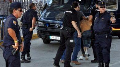 صورة محاكمة مواطن عض شرطي.. تعرف على عقوبته