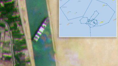 صورة بالصور: مسار غريب سلكته السفينة المتعثرة في قناة السويس