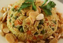صورة الأرز المبهر بالخضار والمكسرات.. إليك الطريقة