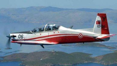 صورة تحطم طائرة تدريب للجيش التركي في بحر إيجه ونجاة طياريها