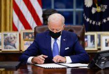 صورة واشنطن تفرض عقوبات على 32 كيانا وشخصية روسية وتطرد 10 دبلوماسيين