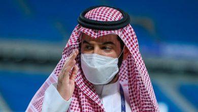 صورة القحطاني يحذر بن نافل بعد خسارة الهلال