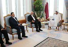 صورة هنية يلتقي وزير خارجية قطر ويحذر من مخاطر تأجيل الانتخابات