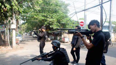 صورة لماذا قتل شرطي في ميانمار 5 من زملائه؟
