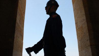 صورة اعتقال 10 أميرالات أتراك رفضوا تغيير الدستور